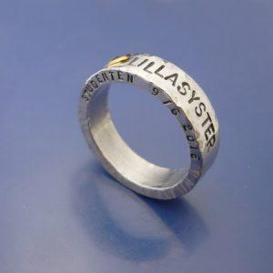 silverring med text